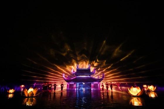 "Espectaculo ""Quintaesencias de Tonkin"" de Vietnam recibe premio regional hinh anh 1"