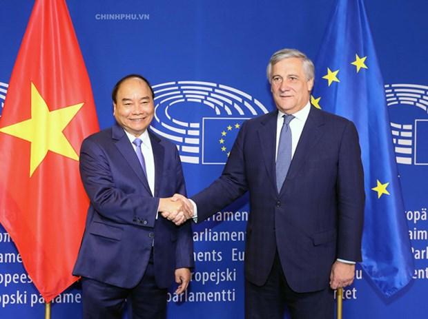 Inician proceso para ratificacion de acuerdos comercial e inversionista Vietnam- Union Europea hinh anh 1