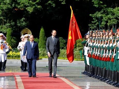 Prensa francesa acapara visita del premier Edouard Philippe a Vietnam hinh anh 1