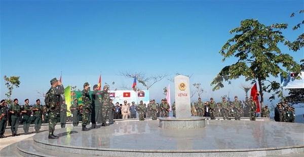 Fomentan colaboracion entre fuerzas guardafronteras de Vietnam, Laos y Camboya hinh anh 1