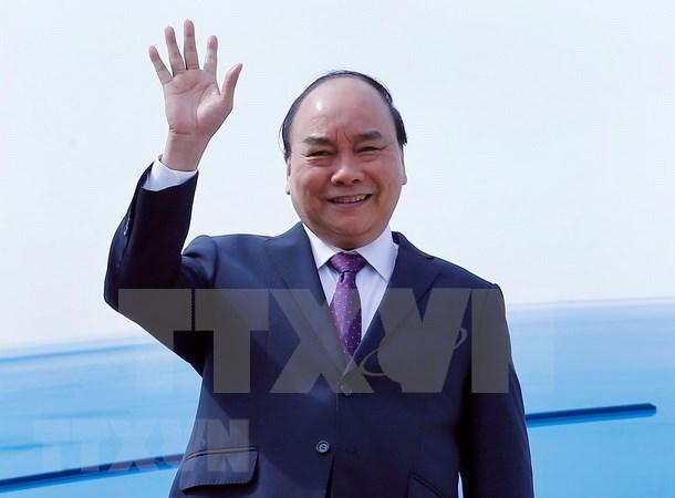 Premier vietnamita llega a Shanghai para asistir a Feria Internacional de Importaciones de China hinh anh 1