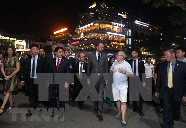 Concluye primer ministro frances visita oficial a Vietnam hinh anh 1