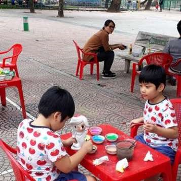 Colorear y divertirse, una opcion para los ninos de Hanoi hinh anh 7
