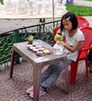 Colorear y divertirse, una opcion para los ninos de Hanoi hinh anh 1