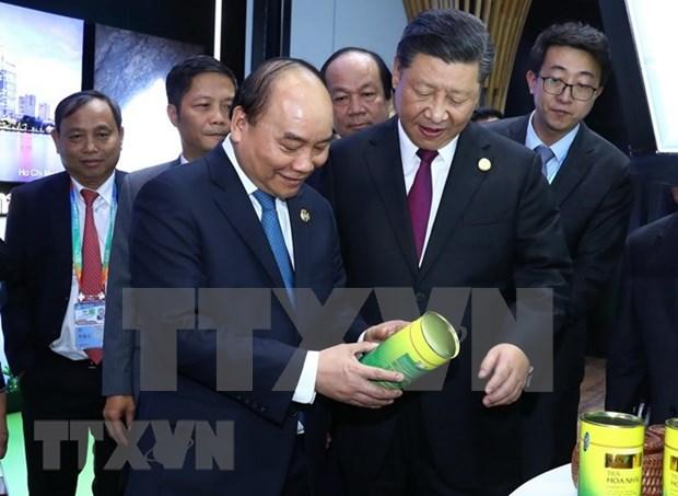 Premier de Vietnam cosecha exitos al asistir a exposicion en China, sostiene vicecanciller hinh anh 1
