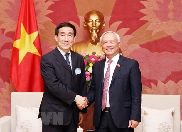 Vietnam y China aumentaran intercambio de experiencias legislativas hinh anh 1