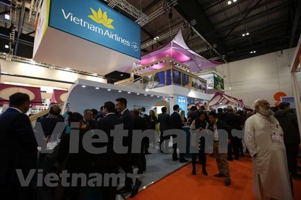 Productos turisticos vietnamitas captan atencion en feria mundial en Londres hinh anh 1