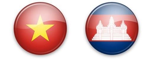 Vietnam envia mensajes de felicitaciones por Dia Nacional de Camboya hinh anh 1