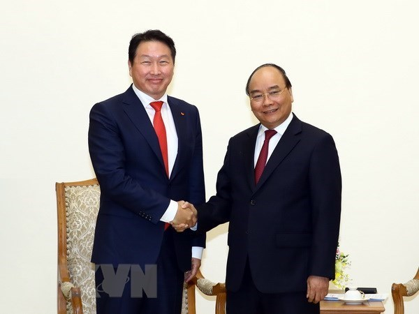 Premier de Vietnam pide a inversores coreanos expandir sus operaciones en Hanoi hinh anh 1