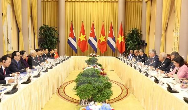 Presidentes de Vietnam y Cuba abogan por impulsar nexos economicos y comerciales hinh anh 1