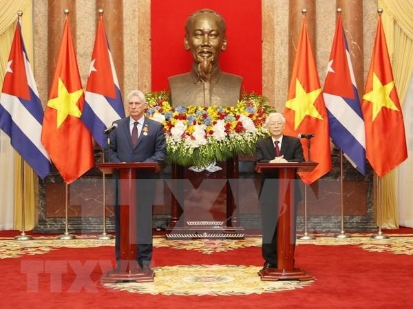 Relaciones con Vietnam poseen un caracter historico y especial, afirmo presidente de Cuba hinh anh 1