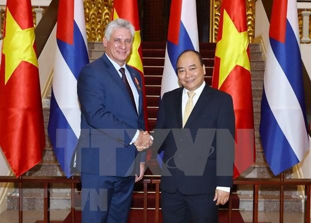 Premier de Vietnam recibe al presidente de Cuba hinh anh 1