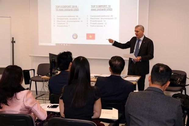 En Italia seminario sobre oportunidades de inversion en Vietnam hinh anh 1