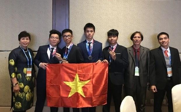 Hanoi honra a estudiantes participantes en Olimpiada de Astronomia y Astrofisica 2018 hinh anh 1