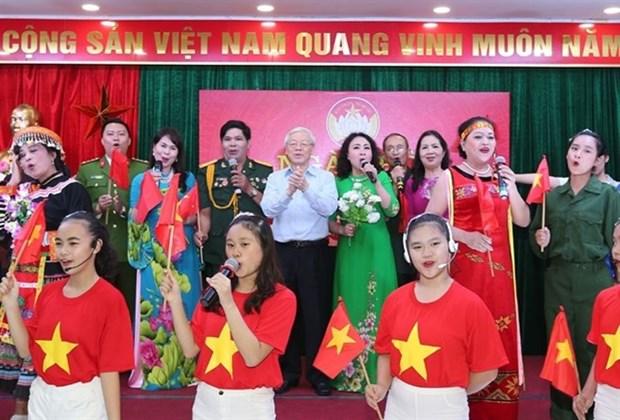 Maximo dirigente politico de Vietnam asiste al Festival de Gran Unidad Nacional hinh anh 1