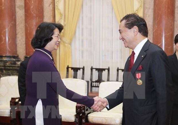 Vietnam ofrece mejores condiciones para empresas japonesas, confirmo su vicepresidenta hinh anh 1