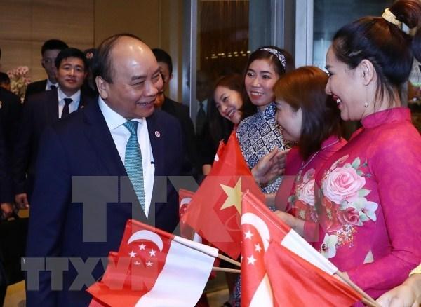 Premier vietnamita concluye asistencia a XXXIII Cumbre de la ASEAN y citas conexas hinh anh 1