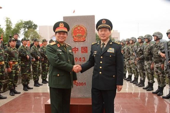 Vietnam y China fortalecen intercambios amistosos en defensa fronteriza hinh anh 1