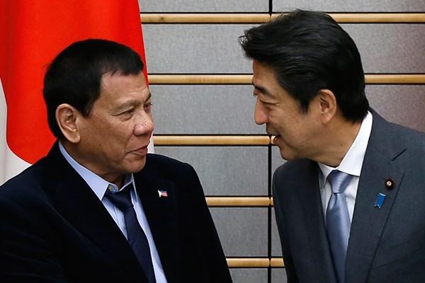 Filipinas y Japon prometen mantener libertad de navegacion en Mar del Este hinh anh 1