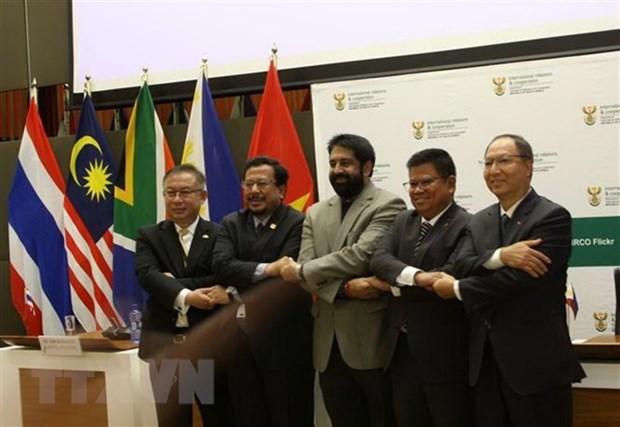Intercambio comercial Vietnam-Sudafrica alcanzaria dos mil millones de dolares hinh anh 1