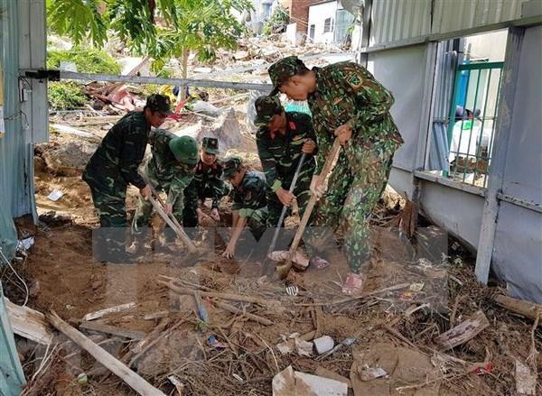 Premier de Vietnam pide acelerar mitigacion de secuelas del tifon Toraji hinh anh 1