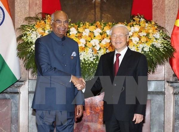 Vietnam y la India firman numerosos acuerdos de cooperacion hinh anh 1
