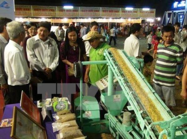 Mas de un centenar de empresas participan en exhibicion agricola en Vietnam hinh anh 1