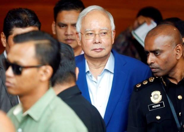 Interrogan a expremier malasio por vinculacion a polemico acuerdo de submarinos hinh anh 1