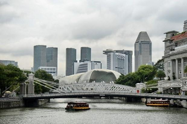 Economia de Singapur crecera menos de lo esperado, segun Reuters hinh anh 1