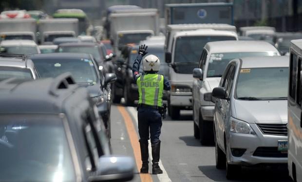 Japon ofrece asistencia a mejora de infraestructura de transporte de Filipinas hinh anh 1