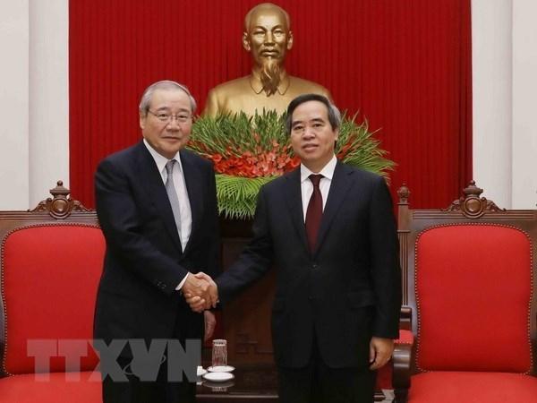 Vietnam fortalece la cooperacion economica con Japon y Grecia hinh anh 1