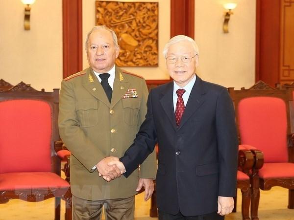 Maximo dirigente de Vietnam compromete apoyo a lazos de defensa con Cuba hinh anh 1