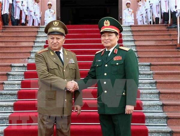 Vietnam y Cuba refuerzan lazos en defensa hinh anh 1