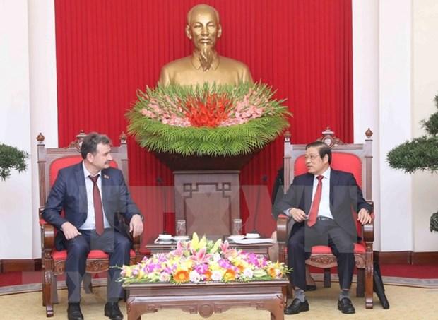 Fortalecen nexos partidistas Vietnam-Kazajstan hinh anh 1