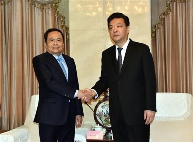 Delegacion del Frente de Patria de Vietnam realiza visita a China hinh anh 1