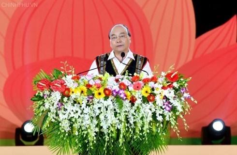 Premier vietnamita participa en el Festival de Cultura de Gongs 2018 hinh anh 1
