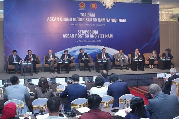 En Hanoi simposio busca orientaciones para el camino futuro de ASEAN hinh anh 1