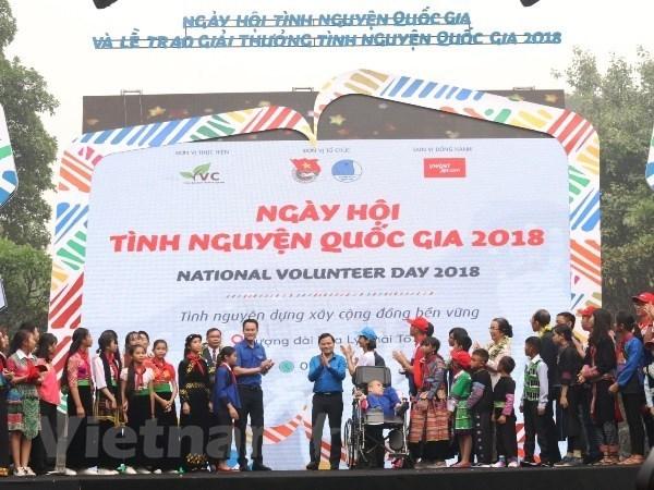 Celebran diversas actividades en Hanoi por Dia Nacional de los Voluntarios hinh anh 1