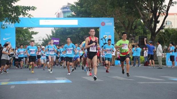 Reportan nutrida participacion en carrera a favor de enfermos infantes de Hanoi hinh anh 1
