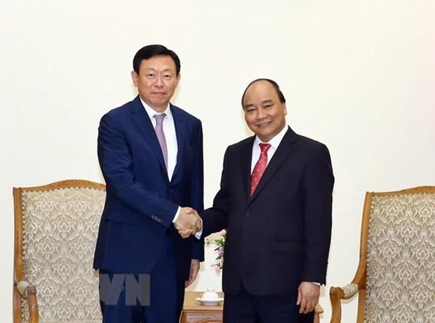 Premier de Vietnam recibe al presidente del conglomerado surcoreano Lotte hinh anh 1