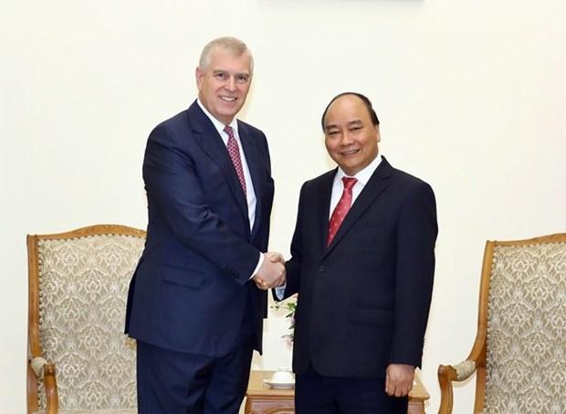 Premier de Vietnam reafirma lazos con Reino Unido hinh anh 1