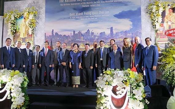 Celebran en Ciudad Ho Chi Minh Dia Nacional de Tailandia hinh anh 1