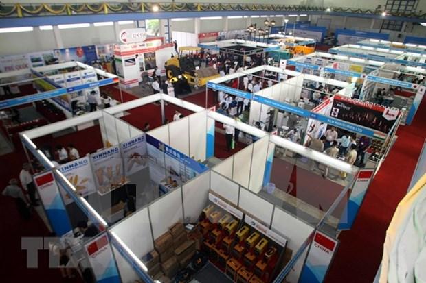 Inauguran en Hanoi exposicion de maquinarias de construccion, mineria y transporte hinh anh 1