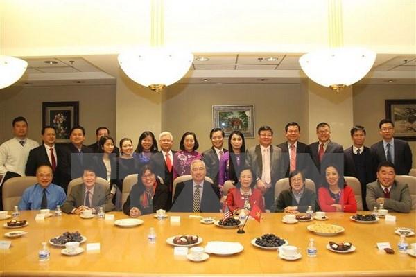 Delegacion del Partido Comunista de Vietnam visita ciudad estadounidense de Houston hinh anh 1