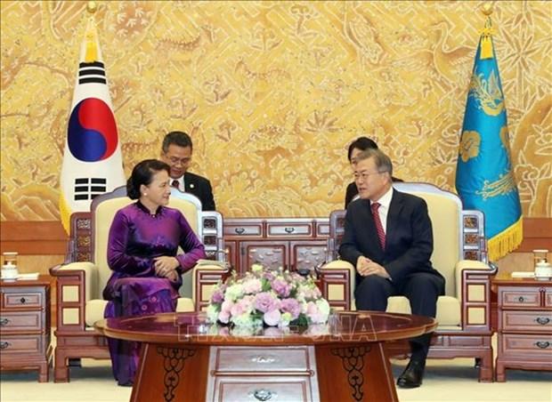 Prensa surcoreana dedica espacios a reunion entre presidente de Corea del Sur y titular parlamentaria de Vietnam hinh anh 1