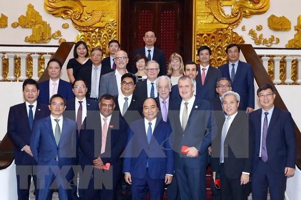 Premier de Vietnam aplaude propuestas de inversores extranjeros en el turismo hinh anh 1