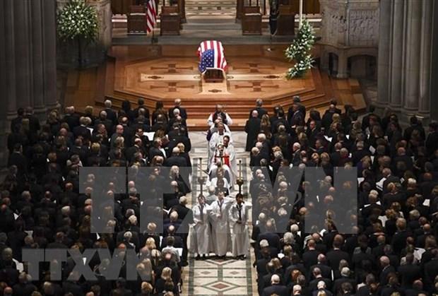 Dirigentes vietnamitas expresan condolencias por deceso de George H.W. Bush hinh anh 1