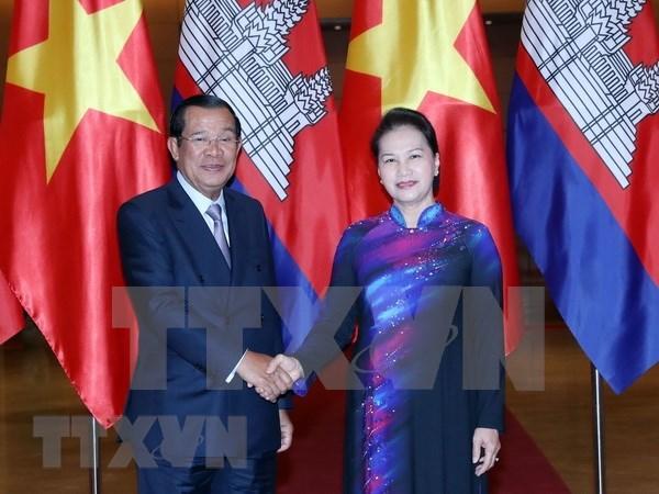 Vietnam y Camboya fomentan sus relaciones de solidaridad y cooperacion hinh anh 1