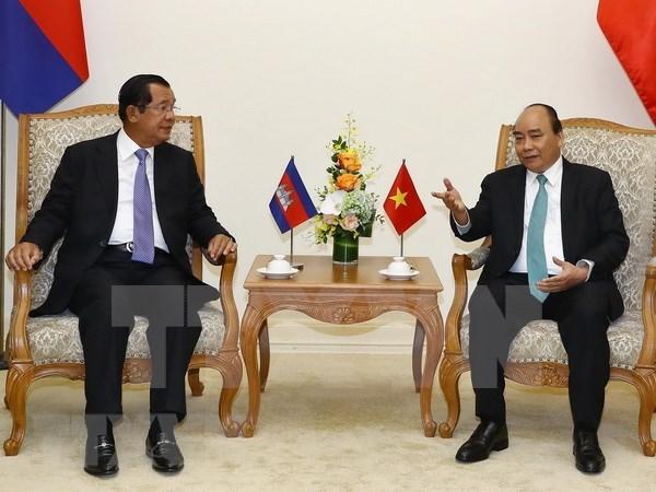 Premier de Camboya concluye su visita oficial a Vietnam hinh anh 1