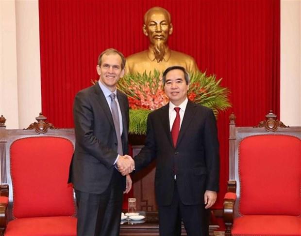 Vietnam promete mejores condiciones para Google, afirma alto funcionario partidista hinh anh 1